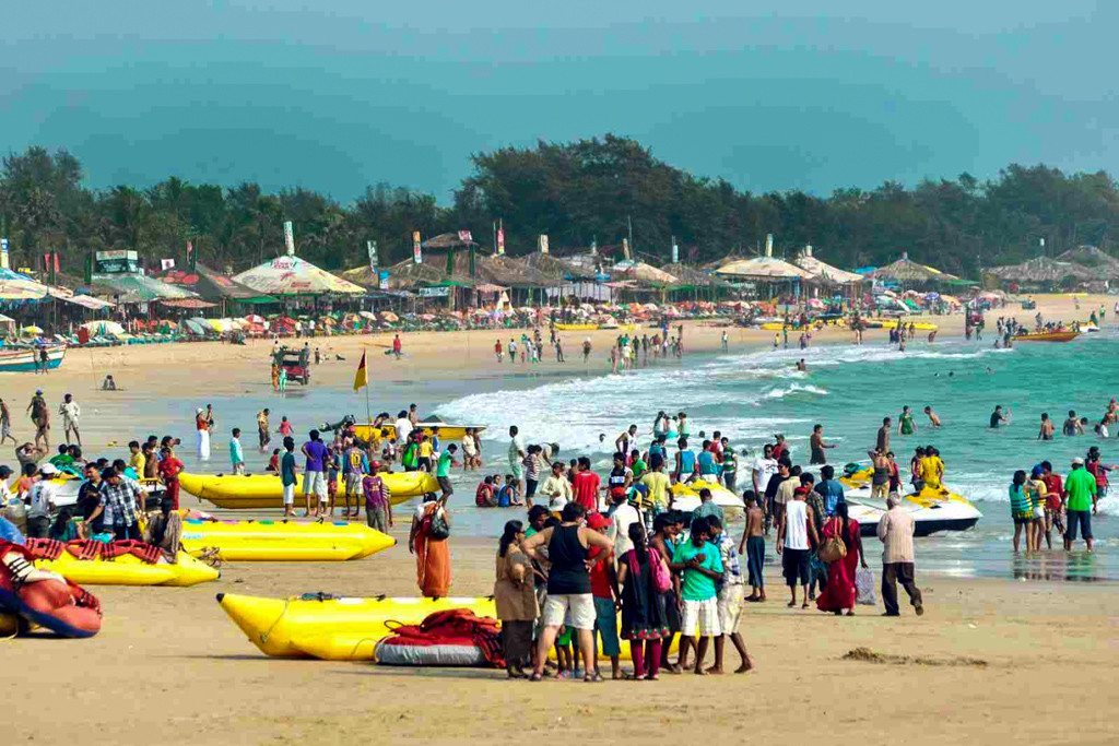 baga-beach-crowds